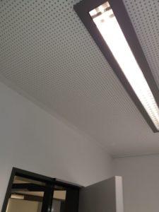 Decke und Deckenbeleuchtung
